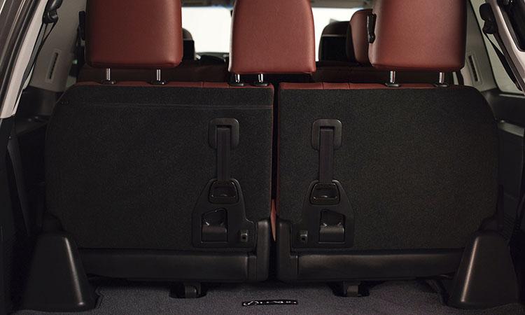 Lexus LX570 третий ряд сидений